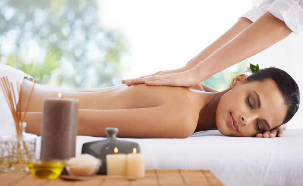 Masaj de relaxare la domiciliu, oferit de clinica de nutritie si infrumusetare Dietalia