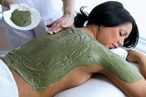 Impachetari cu alge oferite de Clinica de wellness Dietalia prin serviciile de spa la domiciliu